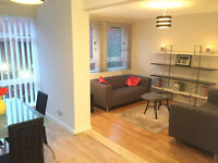 3 Dbl Bed Townhouse in Central Manchester- Northern Quarter. Parking space available.