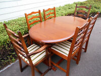 Oak extending dining table and 6 chairs *can deliver