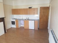 1 bedroom first floor flat available in Bishopston. Rent includes council tax and water
