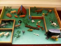 wooden toy farm set 20 small plastic toy animals horse trailer