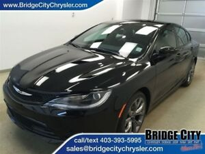 2016 Chrysler 200 S Package- Heated Seats, Bluetooth!