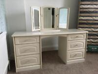 Dressing Table & Mirror. CAN DELIVER. Excellent Quality.