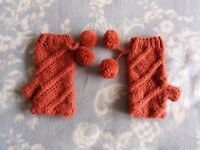 Women's Knitted Fingerless Gloves with Pom Poms