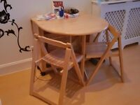 Light buterfly table,comes with 4 chairs.