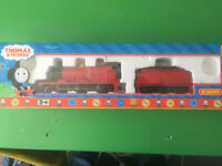 Hornby Thomas and Friends James Digital Locomotive and Brake Coach