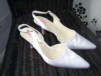 White satin kitten heel shoes size 5