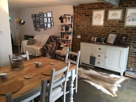 Stunning quirky 2 bed character townhouse in Greenhithe Village - available 13/11/17