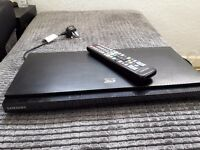 Samsung BD-D5500 Blu ray player + Remote