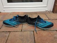 Girls/womens size 5 spiked running shoes