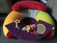Mamas and papas sit me up chair 6 Months + play tray