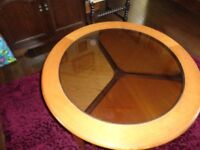 Coffee table round with 3 stools