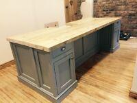 Freestanding kitchen island breakfast bar centre piece