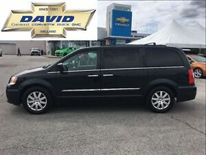 2012 Chrysler Town & Country Touring LEATHER, DVD, SUNROOF, NAV,