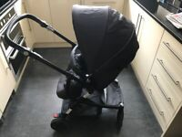 PRAM AND PUSHCHAIR COMBINATION