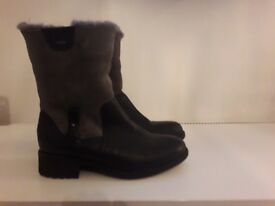 grey suade black leather ugg boots size 6.5 ginuwine make brand new never been worn