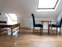 Top Floor 2 Bedroom Flat In Palmers Green, N13, Great Location, Local to Bowes Park Station