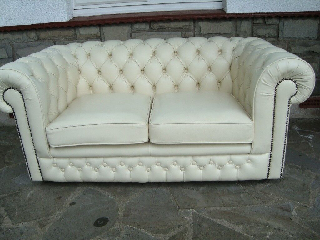 1 Red 3 Seater Chesterfield Sofa And 1 Cream Leather 2 Seater Sofa  ~ Cream Leather Chesterfield Sofa