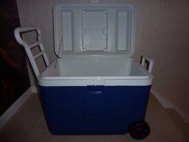 wheeled cool box