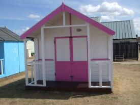 Beach hut for sale at 4 Shores Hunstanton. New felt and lots of new wood in very good condition.