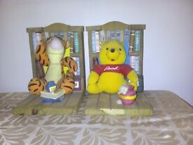 Pooh bear and tigger bookends