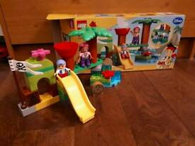 Duplo Disney Jake and the Neverland Pirate's set.