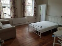 3 bedroom flat in Prioress House, London, E3 (3 bed) (#1161891)