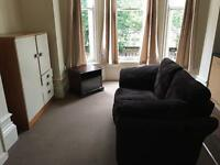 ***SINGLE STUDIO TO RENT - WELL PRESENTED - HEATON MOOR - PART FURNISHED-CLOSE TO BUS AND TRAINS***