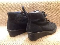 Converse Winter Boots Size 4