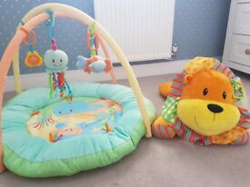 Playmat and activity lion