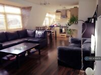 2 bedroom flat in Victoria Place, Bristol, BS5 (2 bed) (#1154775)
