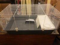 Indoor cage in excellent condition