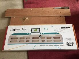 Zlagboard.evo fingerboard and Crusher Holds dcrewless doorframe mount