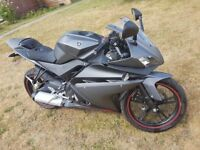 Yamaha YZF R125 very low genuine miles but needs slight attention to brake.