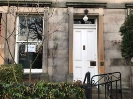 Lovely 2 bed main door UNFURNISHED flat overlooking Meadows