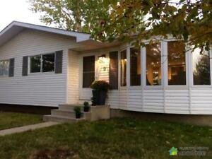 $489,000 - Bungalow for sale in Okotoks