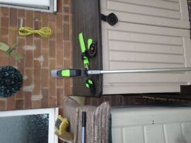 CORDLESS HEDGECUTTER AND SAW