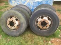 Tyres 9.5r17.5Rims/tyres Iveco 7.5 tonne tipper Lorry