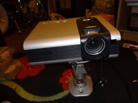 benq pb7100 projector with ceiling mount / projector screen