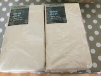 2 BRAND NEW DOUBLE CREAM FITTED SHEETS IN WRAP £6.50