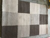 Modern Chequered Pattern Rug For Sale