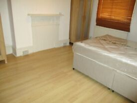 SUPER LARGE GARDEN STUDIO INC BILLS WITH SEPARATE KITCHEN NR ZONE 2 NIGHT TUBE, TRAINS & 24HR BUSES