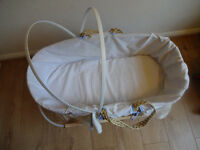 Moses basket with linen and wooden stand