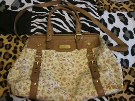 RIVER ISLAND FLORAL PRINT BAG HAS BEEN USED FEW MARKS ON TOP SEE PICS