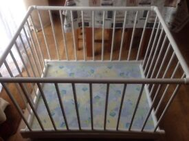 Wooden sturdy playpen