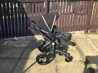 Silver Cross Surf 2 complete travel system with Simplifix car seat base