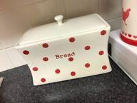 Kettle,toaster,bread bin