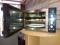 40 litre 900W Microwave oven with 1300W grill and 1450W convection Ceramic turntable (550x368x537)mm