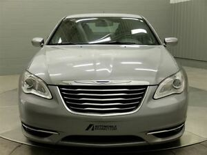 2013 Chrysler 200 TOURING A/C MAGS TOIT OUVRANT West Island Greater Montréal image 2