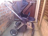 Babystyle Oyster Pushchair Black parent Facing or world facing option shiny Mirror frame