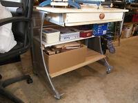 Mobile Work Bench Garage Workshop Hobby Crafting SWINDON